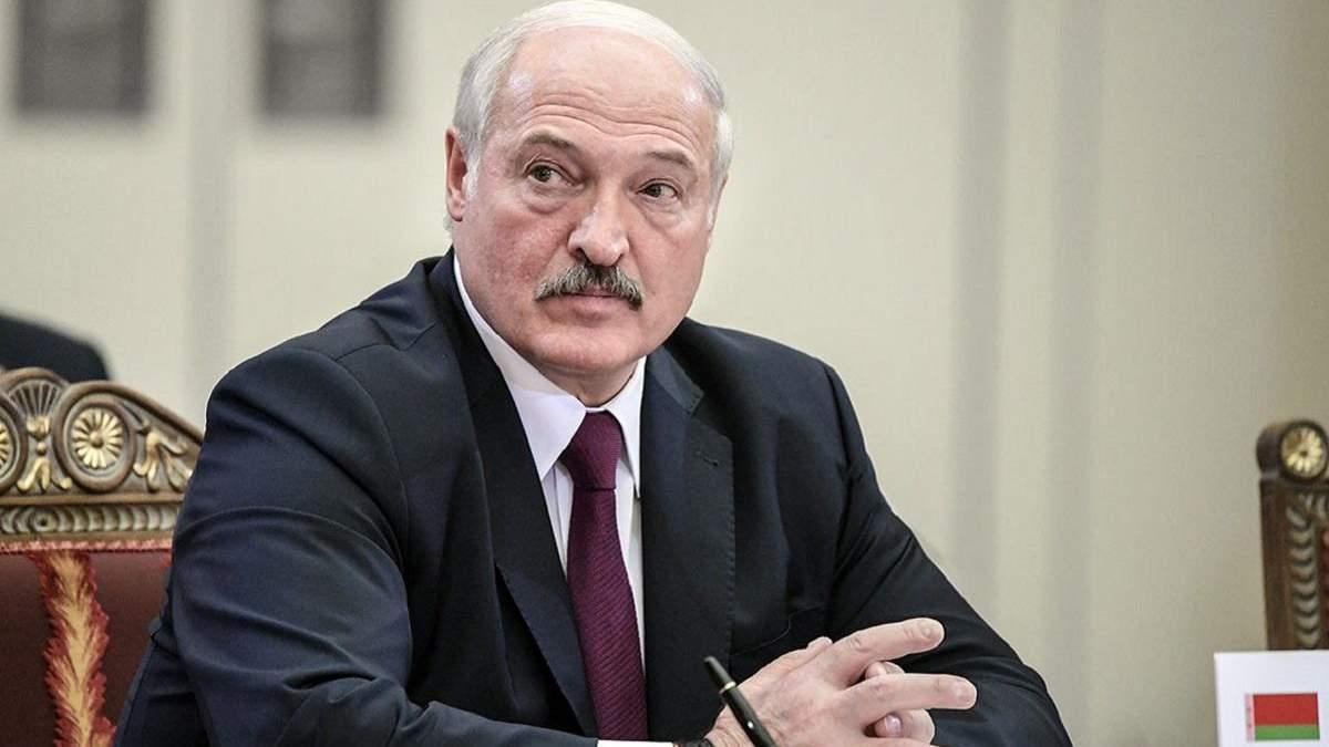 Лукашенко говорит, что Россия снова перебросила в Беларусь вагнеровцев