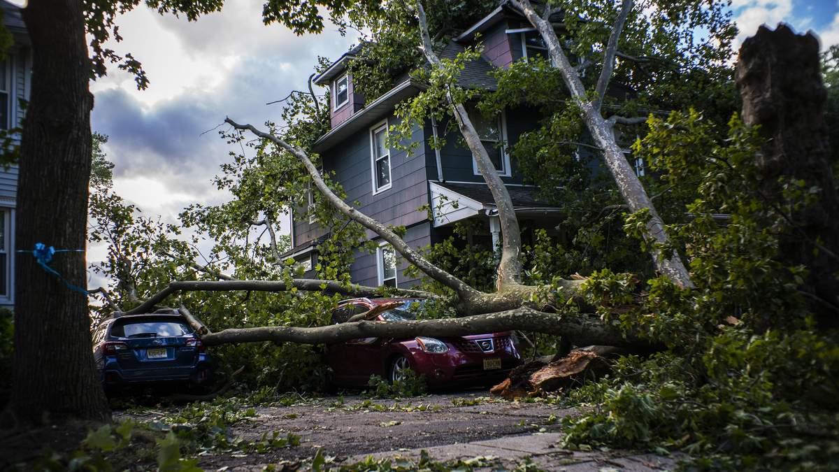 Ураган Исаяс в Америке: есть жертвы и пострадавшие – фото, видео
