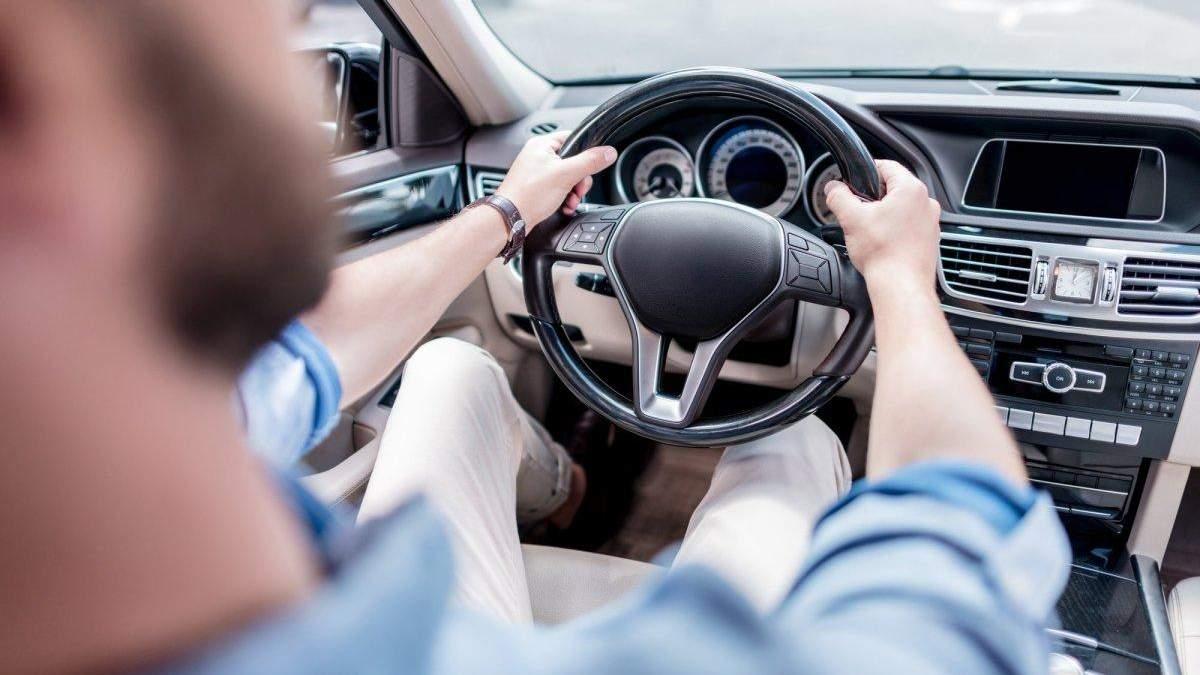 """Смартфон на колесах: що не так з """"розумними"""" автомобілями?"""