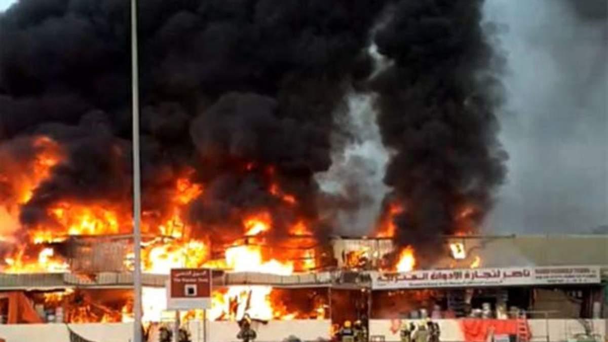 Пожар в ОАЭ 5 августа 2020: в Аджмане горит рынок - видео