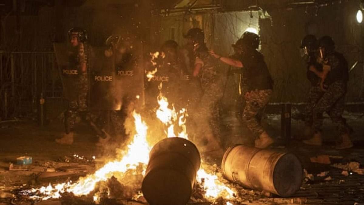 У Бейруті спалахнули антиурядові протести через вибух: фото