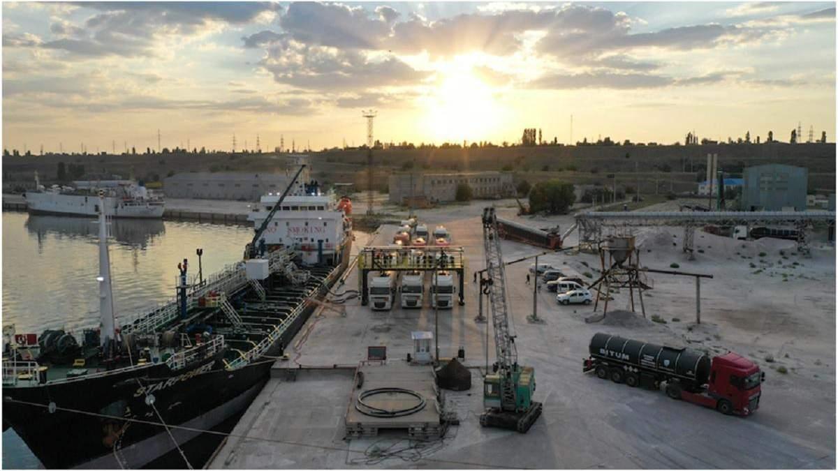 """Компания """"Кантарелл Украина"""" наладила первые морские поставки битума для """"Великого будівництва"""""""