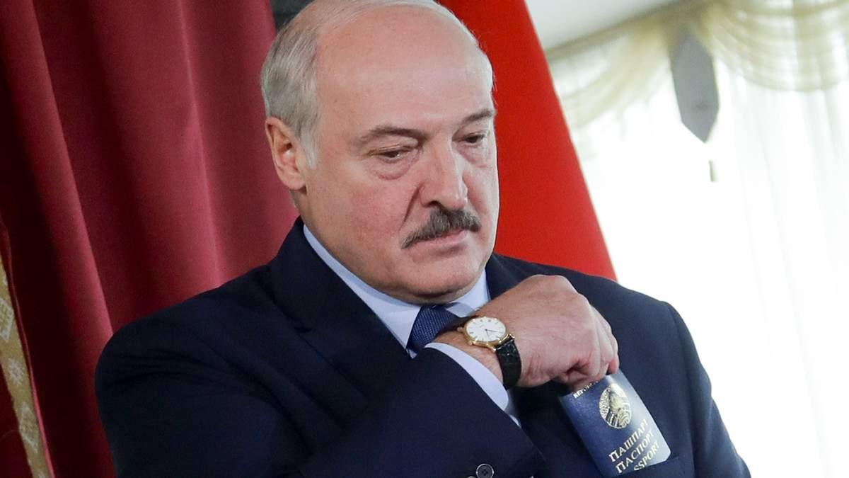 Лукашенко все глибше падає у прірву