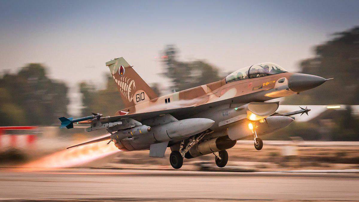 Израиль нанес авиаудары по объектам ХАМАСа после обстрела из Сектора Газы