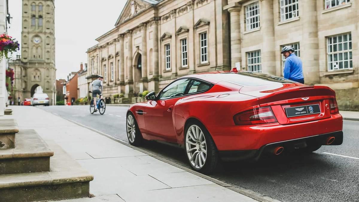 Ексдизайнер Jaguar показав вдосконалений Aston Martin Vanquish: ефектні фото
