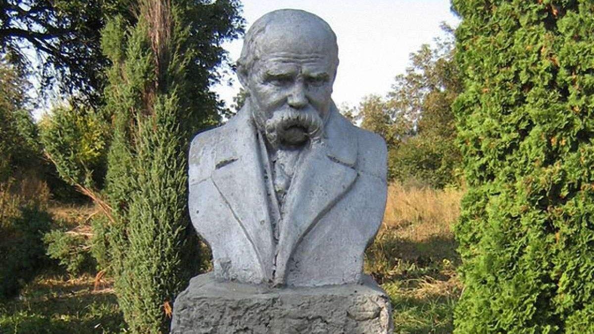 Пам'ятники Шевченку встановили закордонний рекорд