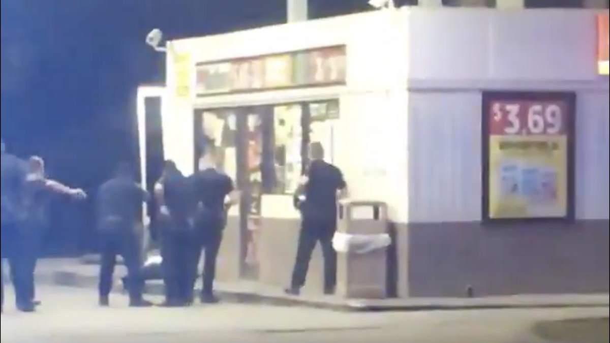 Полицейские в США снова убили афроамериканца, видео попало в сеть