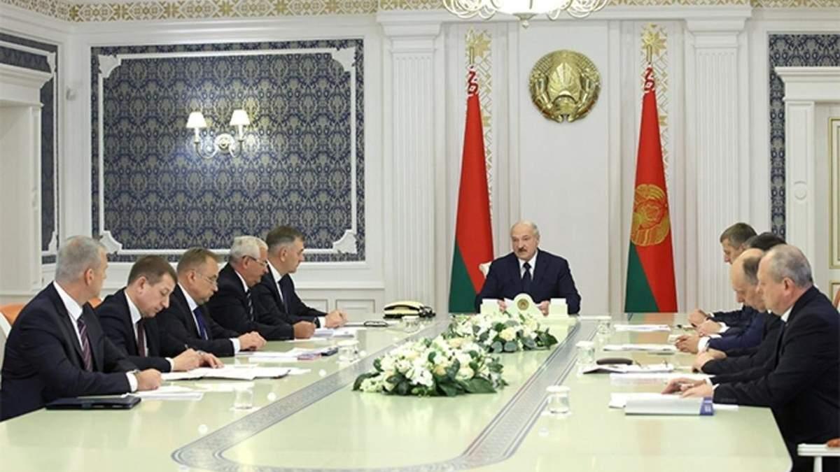 Лукашенко готовий говорити з опозицією, однак у нього є декілька умов