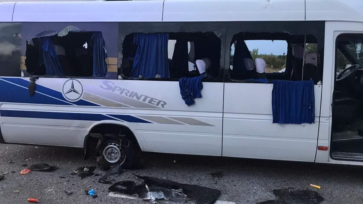 Суд заарештував підозрюваних у розстрілі автобуса під Харковом