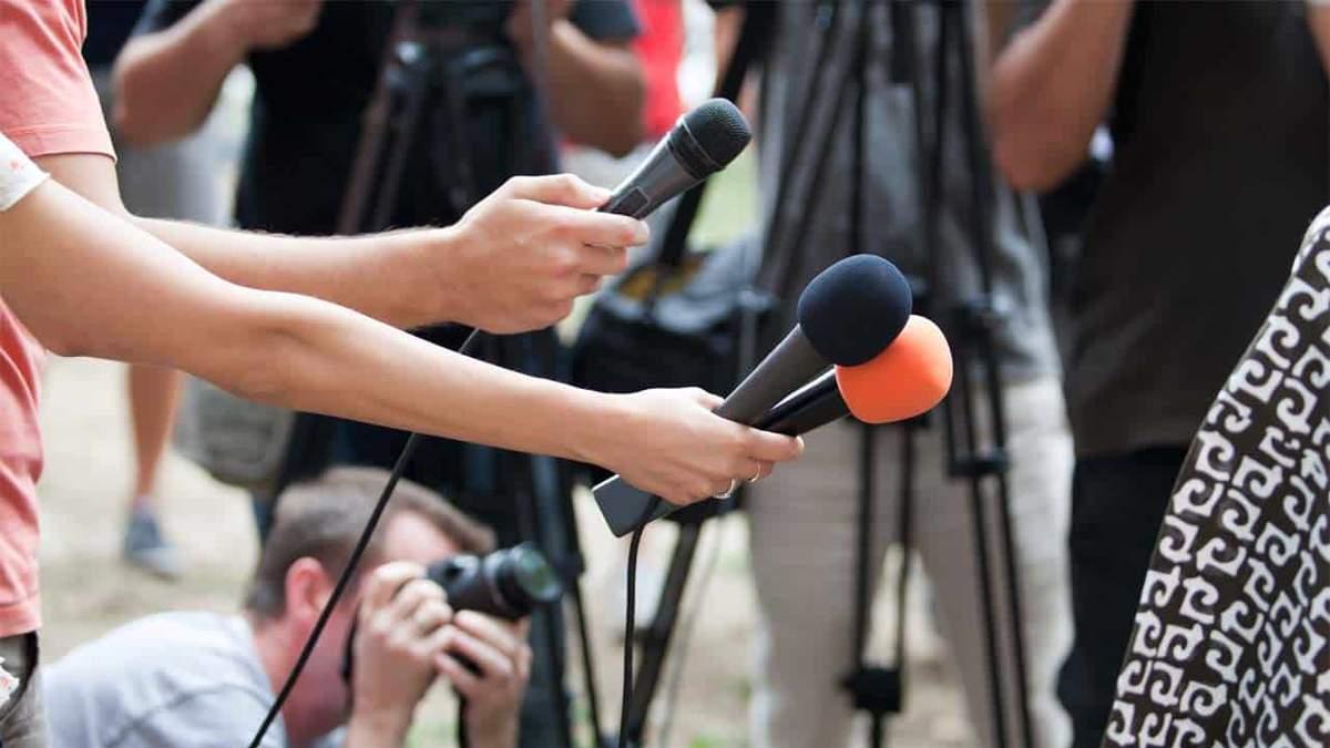 """Боротьба проти ЗМІ: МЗС Білорусії анулював акредитації журналістів BBC і """"Радіо Свобода"""""""