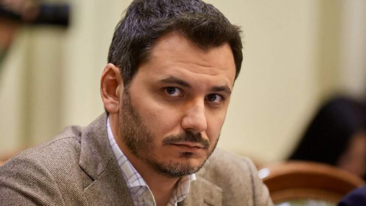 """Ніякої амністії для бойовиків: у """"Слузі народу"""" вимагають виключити Фокіна з ТКГ"""