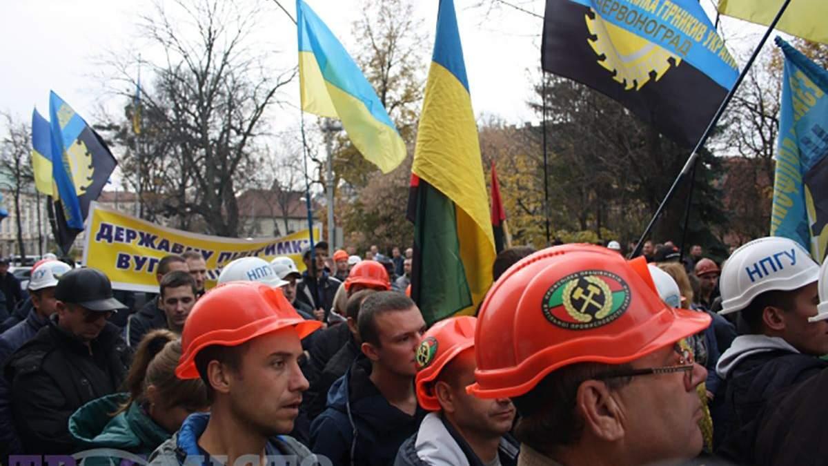 Львовские шахтеры бастуют под землей уже пятый день: какая причина