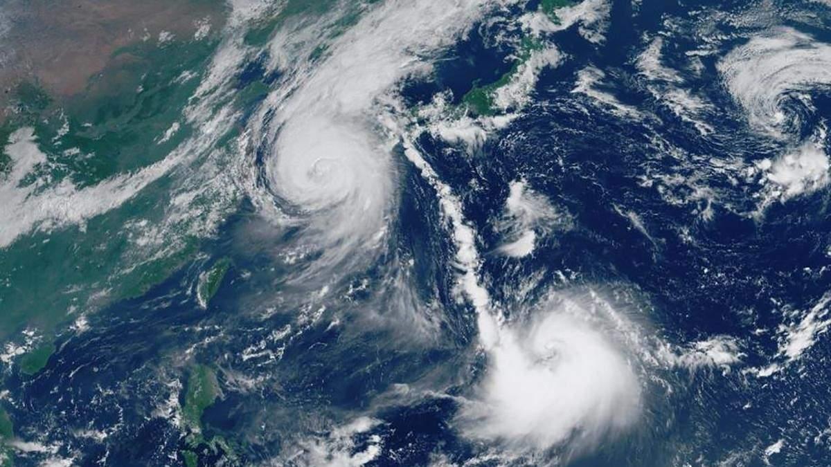 Японія страждає від тайфуну Хайшен: багато людей залишилися без даху та електрики, авіа- та залізничний транспорт призупинив рух