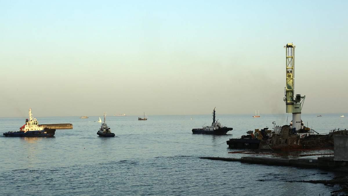 Аварія танкера Delfi: в Одесі почалася фінальна стадія підняття
