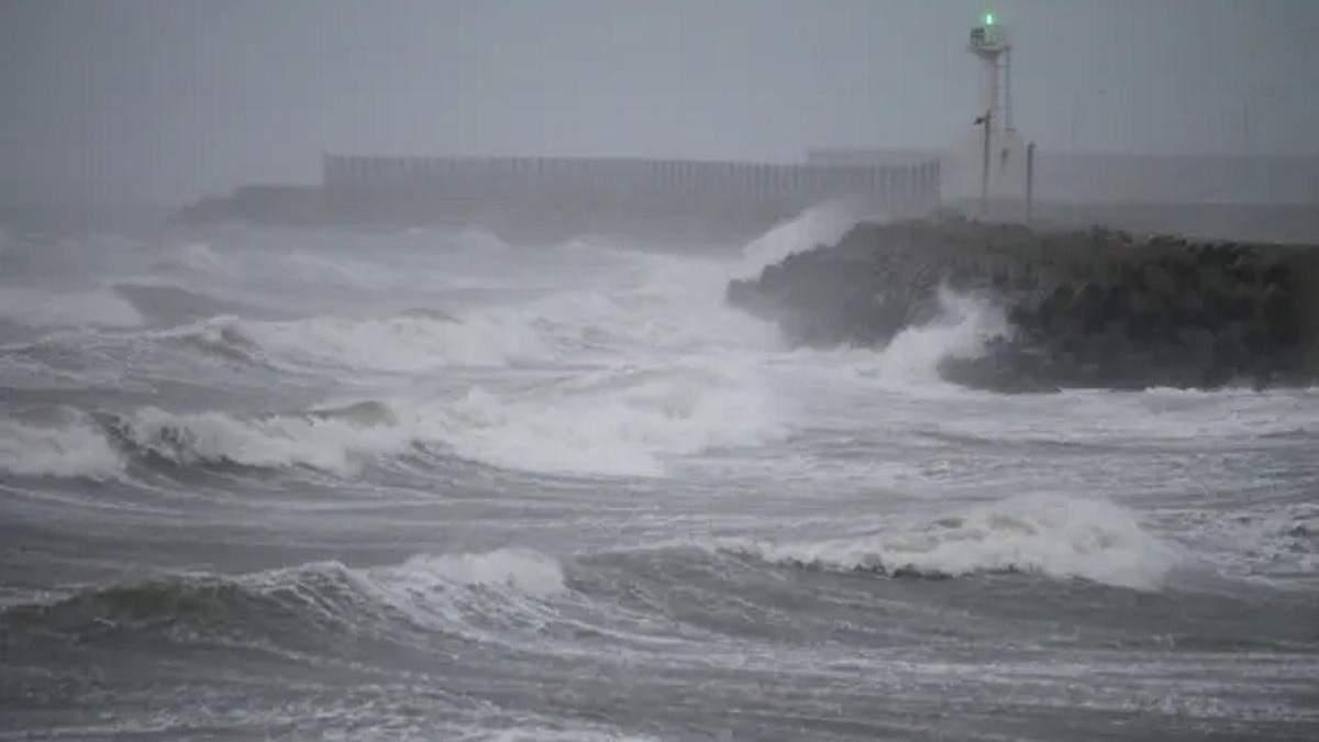 Тайфун Хайшен дістався Південної Кореї 07.09.2020: фото