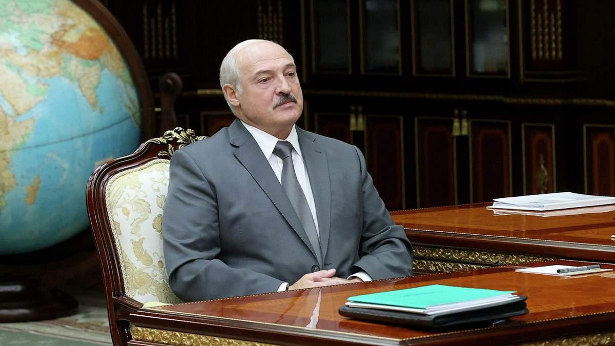 Я трохи засидівся: Лукашенко пояснив, чому не йде у відставку
