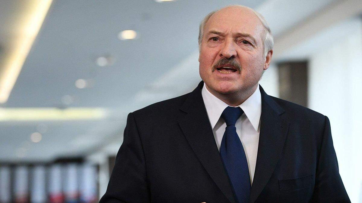 Лукашенко просить Україну повернути білорусів Родненкова та Кравцова