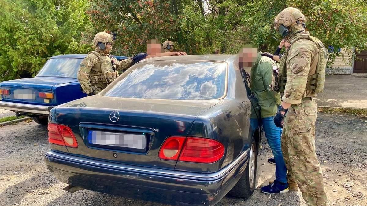Россиянам подделывали украинские документы: СБУ разоблачила схему