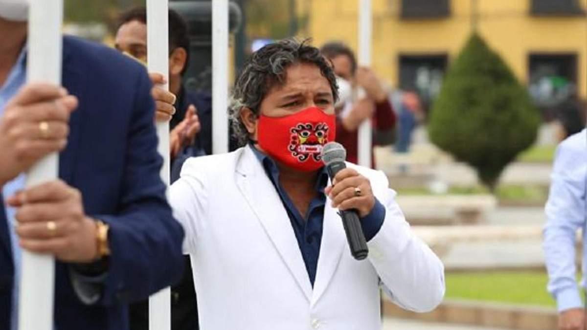 Мэр города Моче Артуро Фернандес