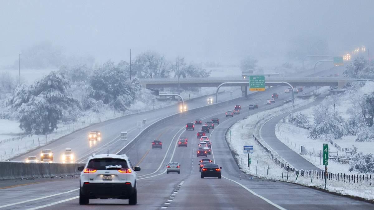 США накрыли снегопады, какие штаты пострадали больше всего: видео