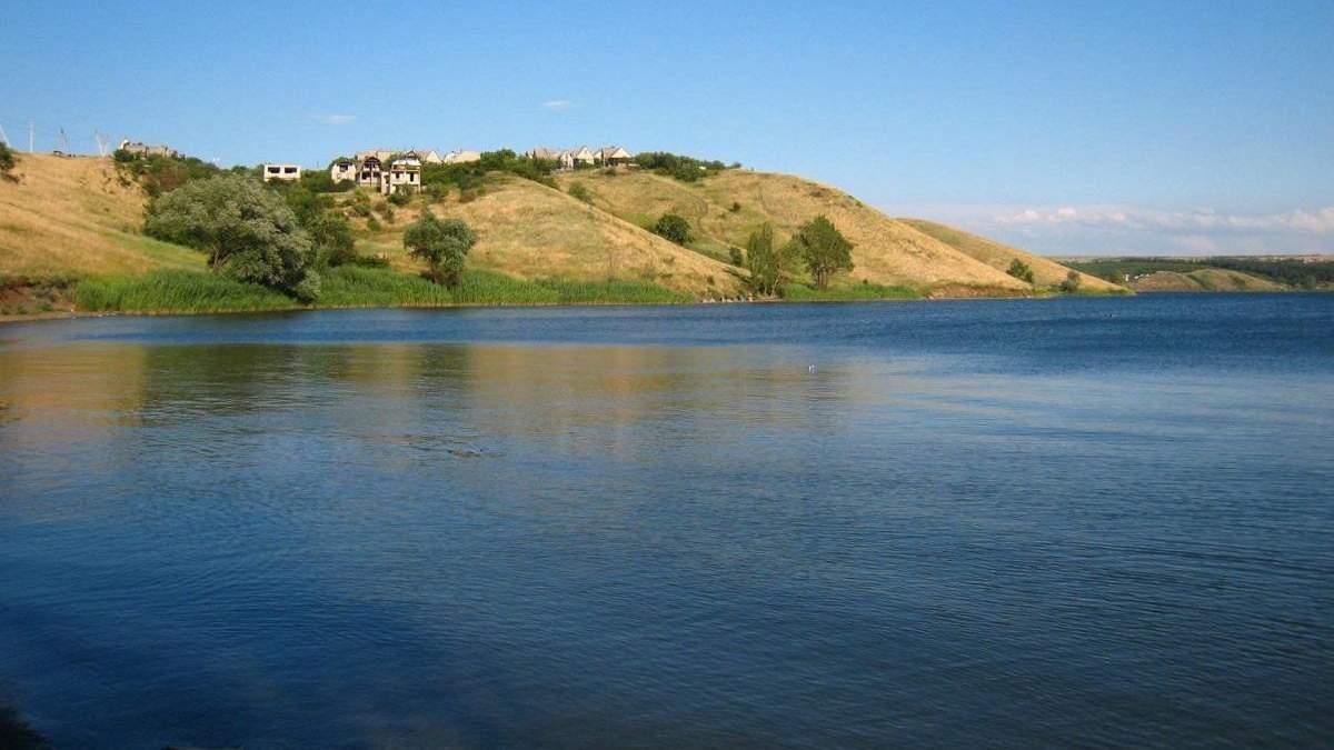 Колись повноводне Ісаківське водосховище на Луганщині майже пересохло