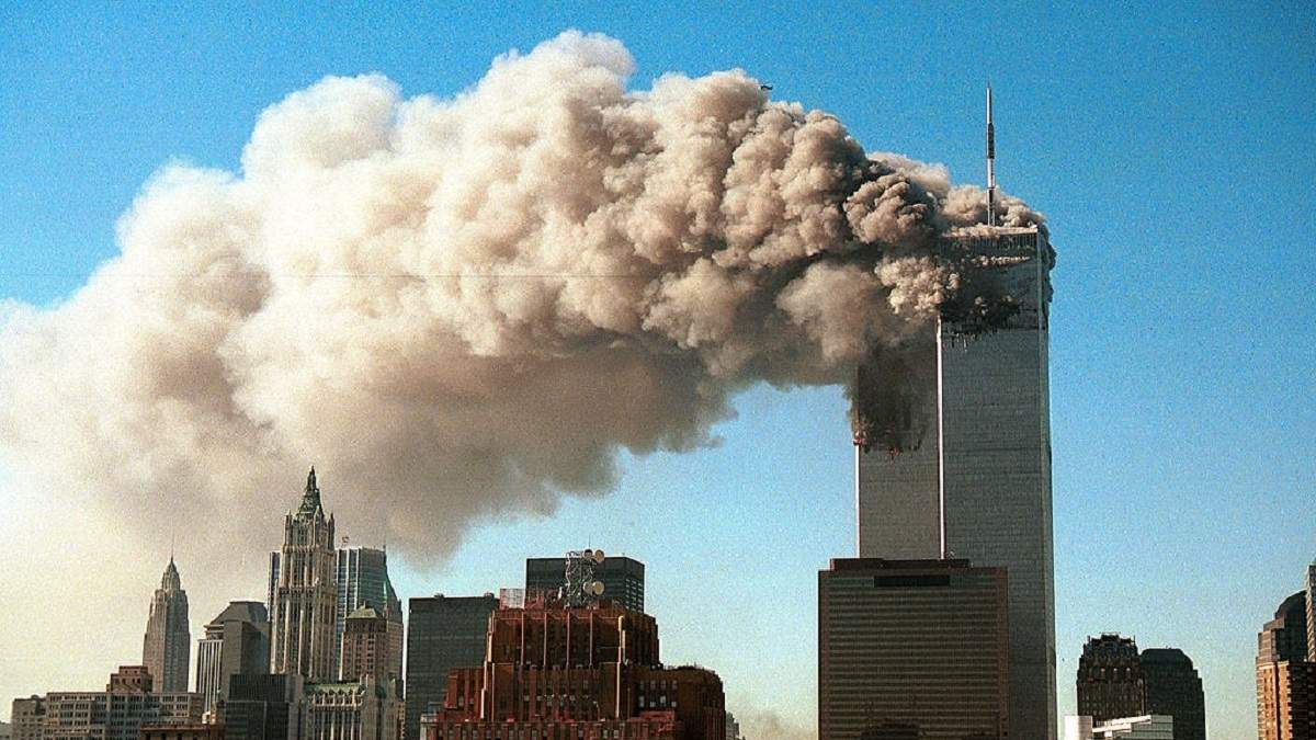 Теракт 11 сентября в США: трагедия в самых известных фото