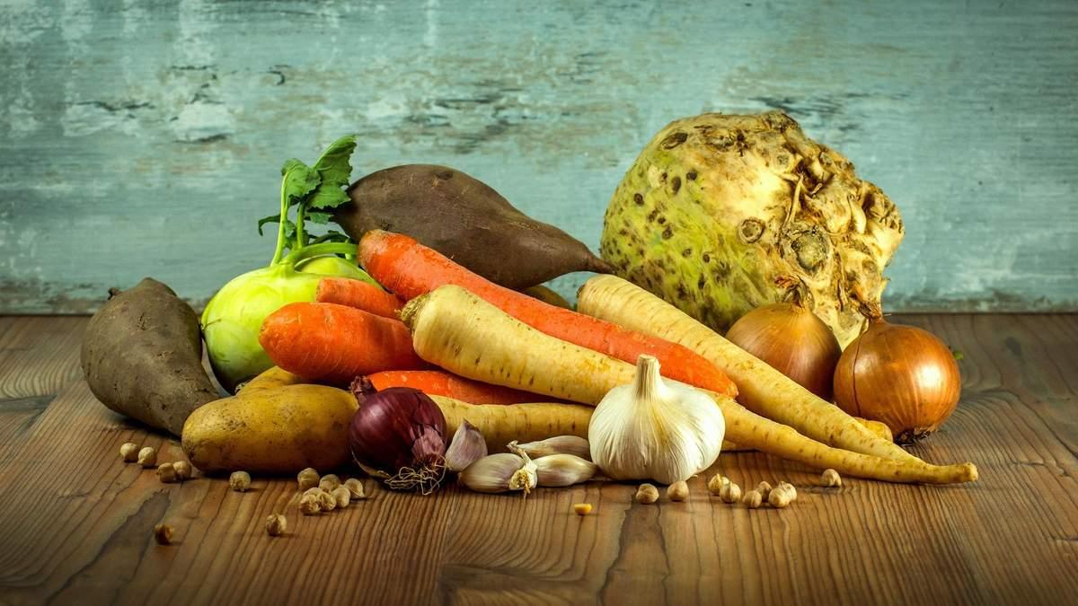 Украинцы тратят почти половину доходов на еду - причина