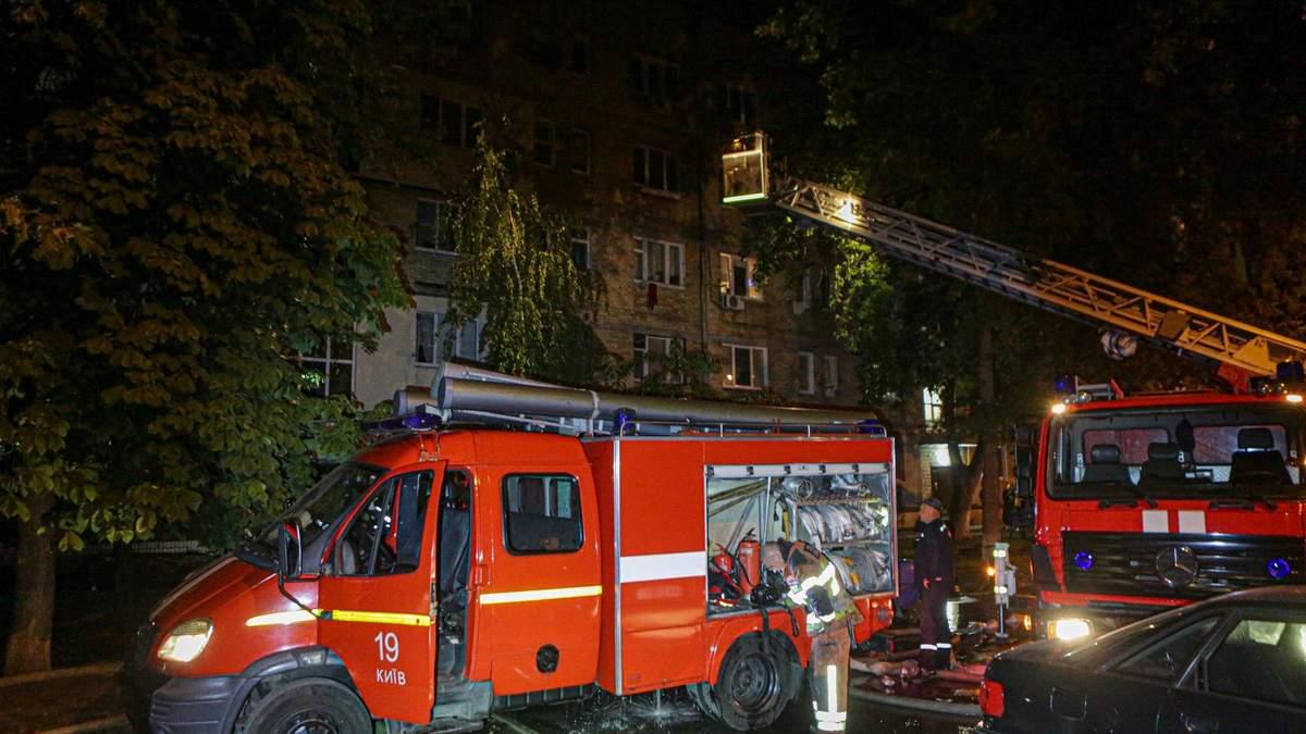 Пожар в доме на Братиславской в Киеве 13.09.2020: фото