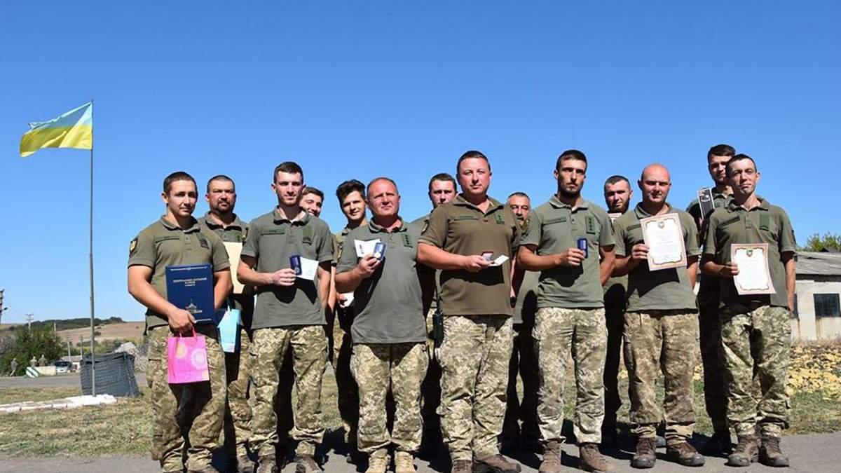 Украинские танкисты получили награды и отличия