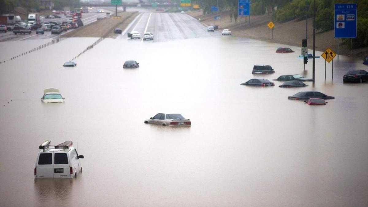 Ливень в Вашингтоне: столицу США затопило - видео и фото