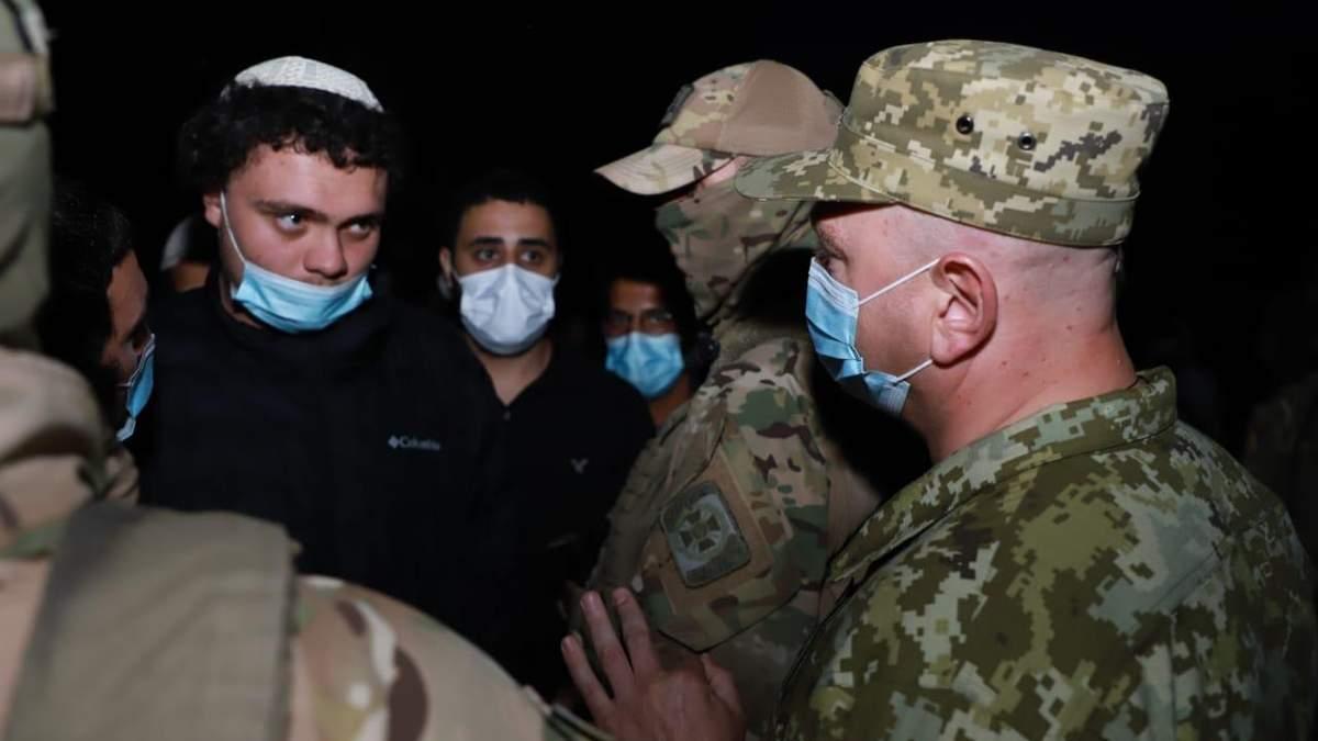 Хасиды застряли на границе Беларуси и Украины: что известно