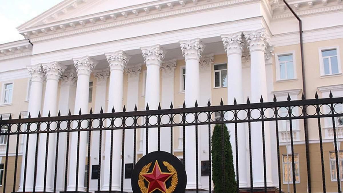 Білорусь погрожує силовою реакцією на військові загрози ззовні
