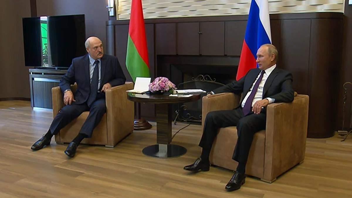 На поклін до старшого брата: про що домовились Путін і Лукашенко?