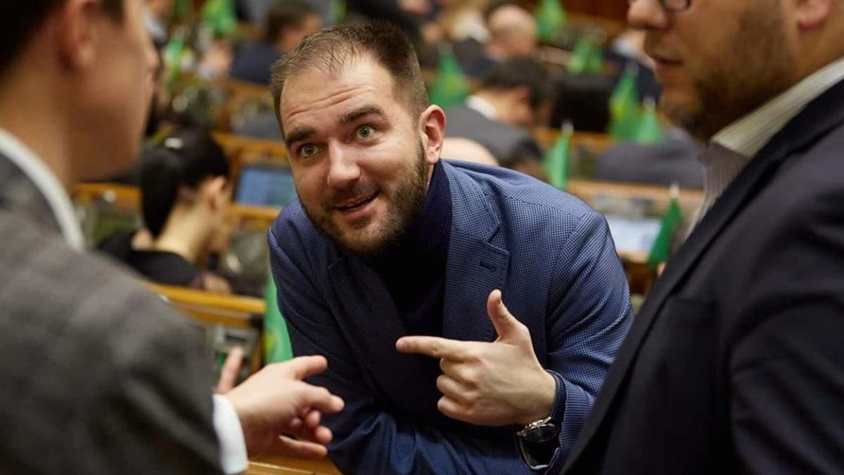 """Александр Юрченко выйдет из фракции """"Слуга народа"""""""