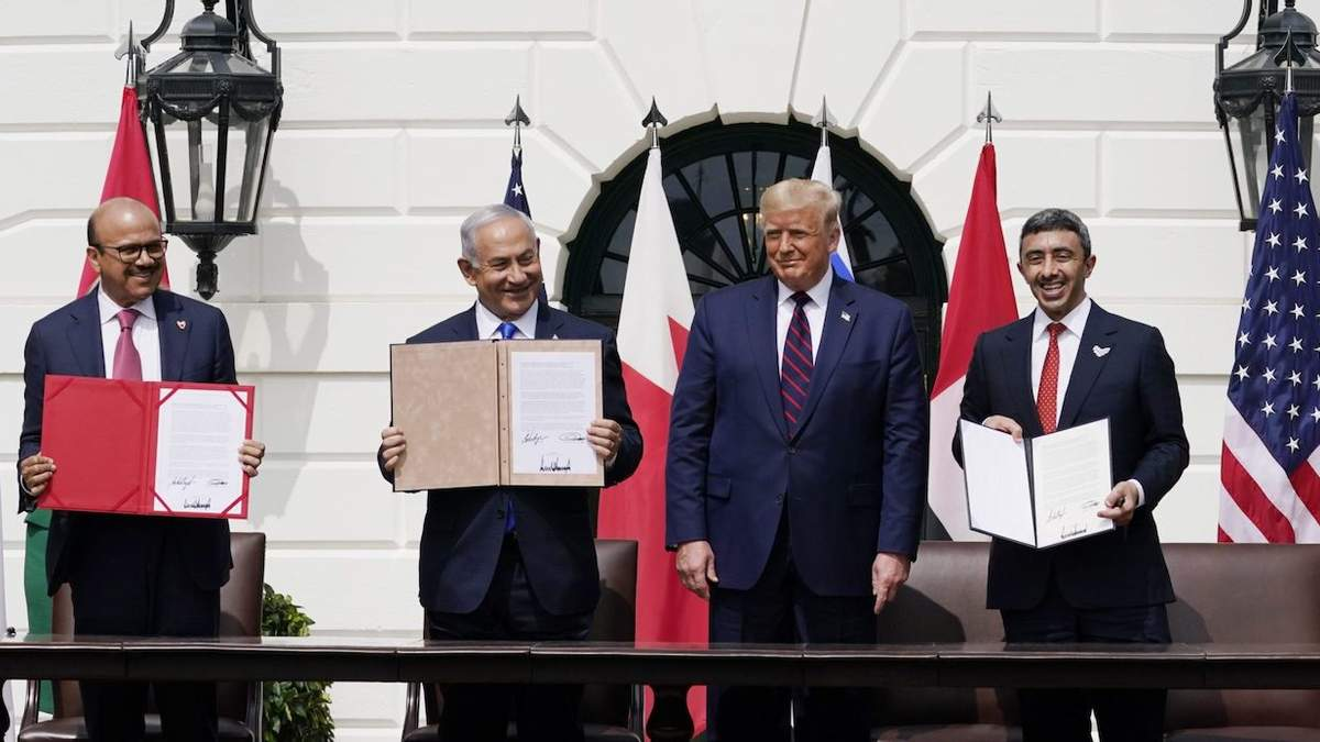 Израиль, ОАЭ и Бахрейн подписали Договор Авраама: что известно