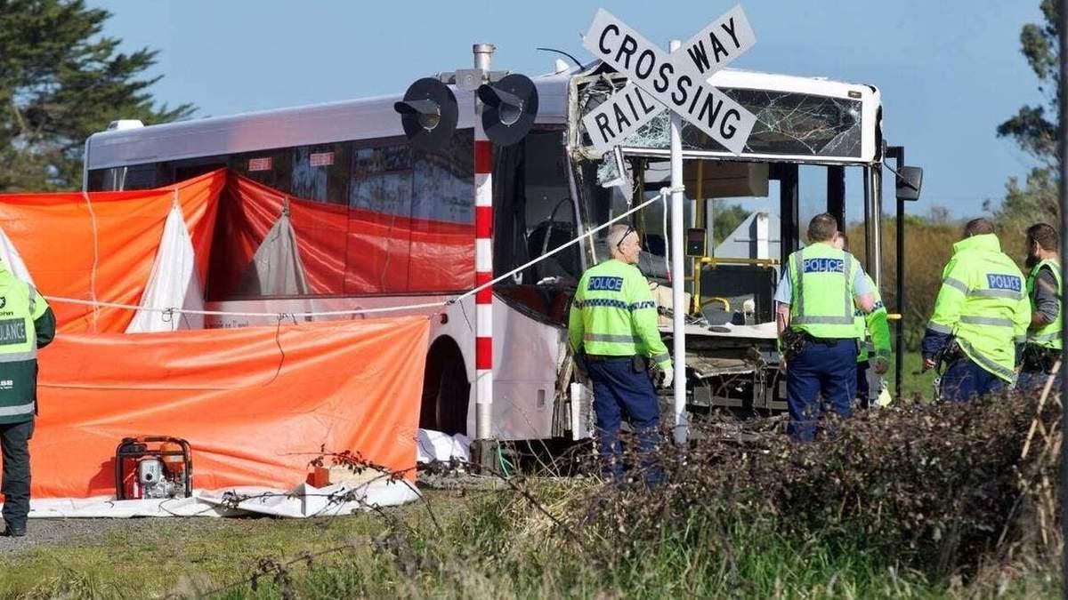 Авария в Новой Зеландии: столкнулись поезд и школьный автобус