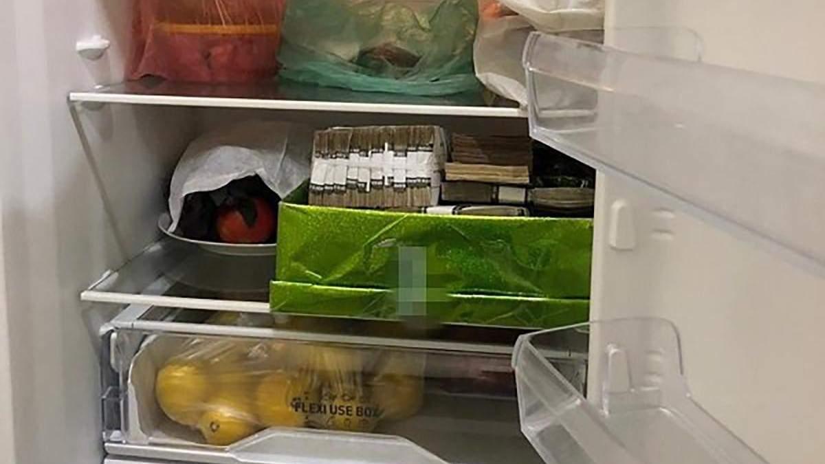 Деньги чиновники держали в холодильнике