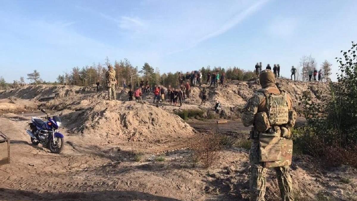 СБУ провела масштабну спецоперацію на Рівненщині через бурштин