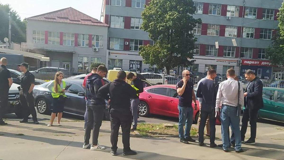 У центрі Харкова підстрелили відому підприємицю: фото, відео