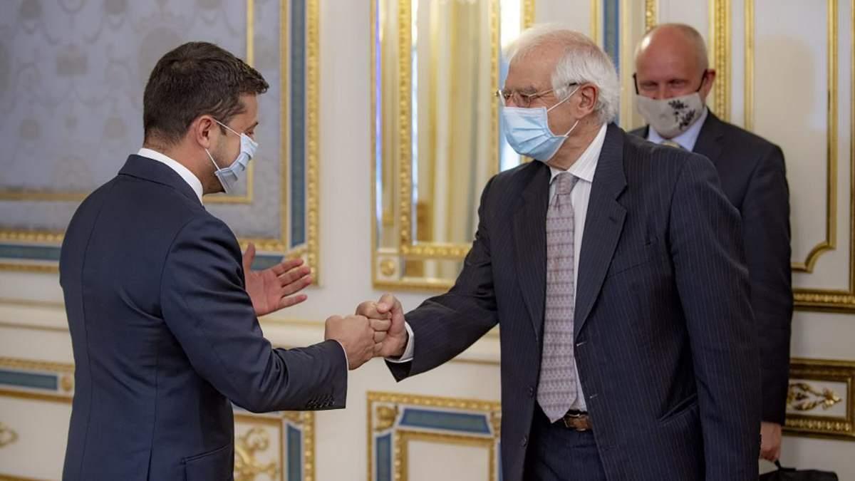 Боррель сказав Зеленському, що ЄС – не банкомат для України і згадав про олігархів