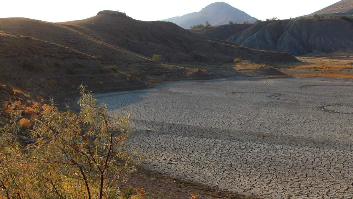 У Криму висохло озеро Три сестри: фото екологічного лиха