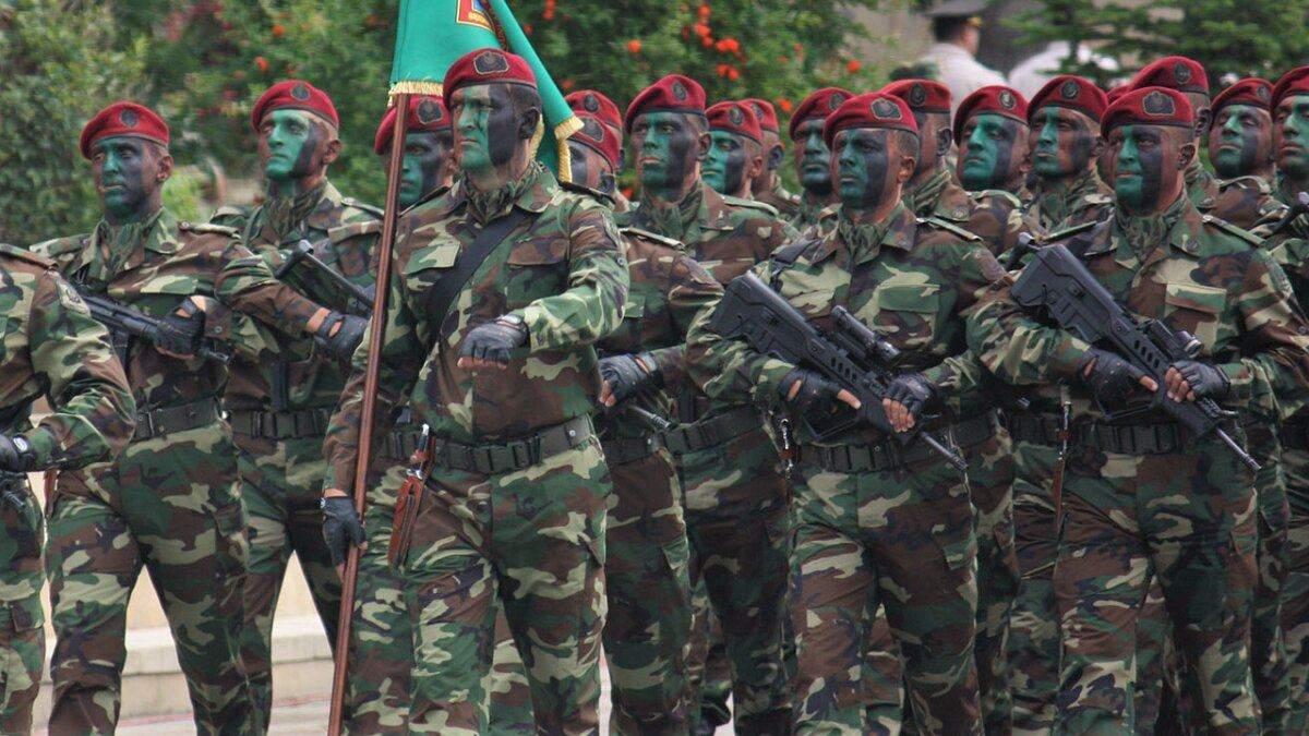 Азербайджан вводить режим воєнного стану