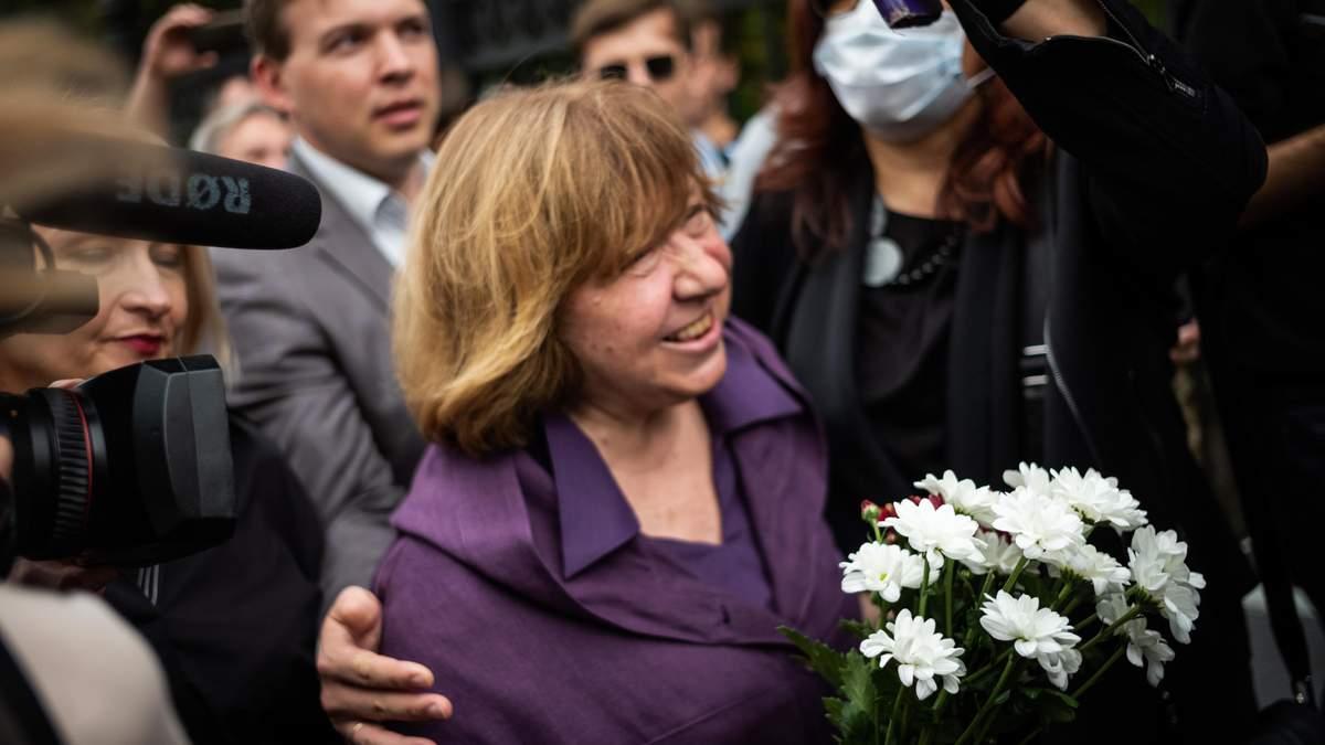 Светлана Алексиевич выехала из Беларуси в Германию 28.09.2020