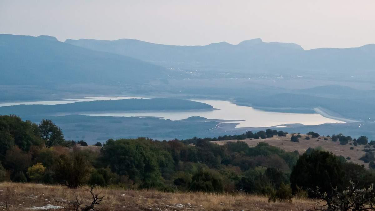 Чорноріченське водосховище у Криму, що висихає