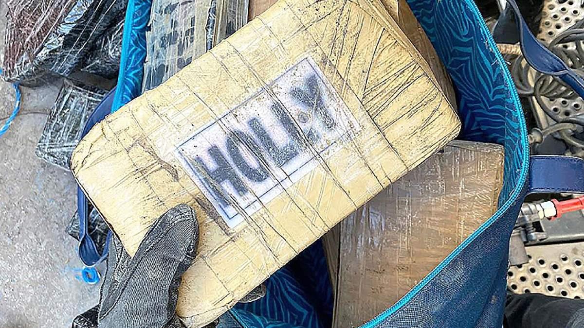 На кордоні знайшли кокаїн серед бананів на 17 мільйонів