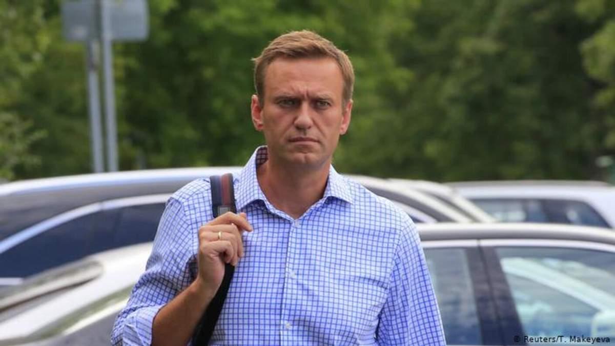 Навальний розповів версії щодо свого отруєння