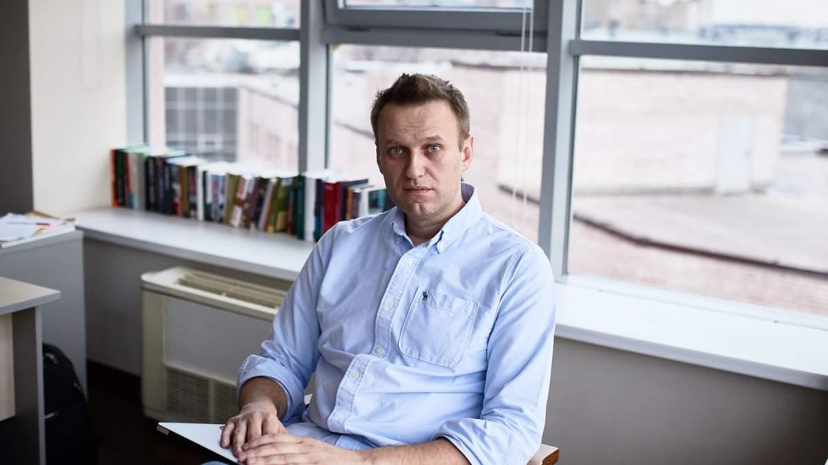 Навальний подає в суд на Пєскова - причина