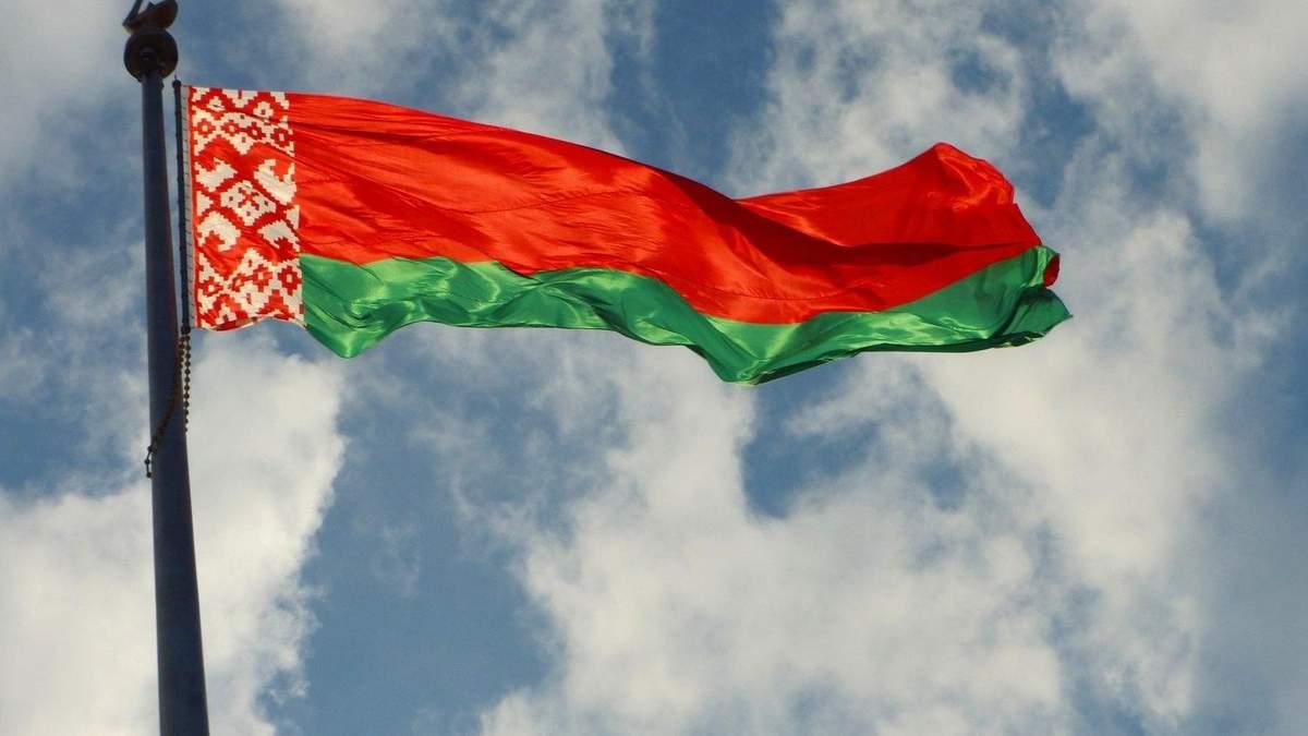 Білорусь відкликає своїх послів з Польщі та Литви