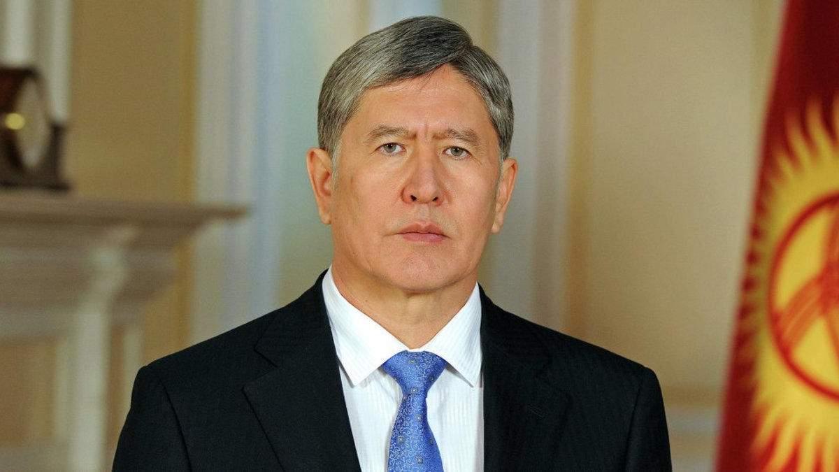 В Кыргызстане выпустили из СИЗО експрезидента Алмазбека Атамбаева