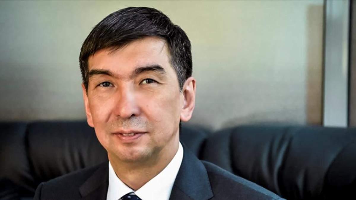 Мэр Бишкека Азиз Суракматов подал в отставку из-за протестов
